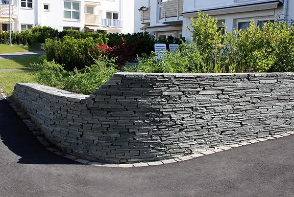 Kanststein støttemur granittmur